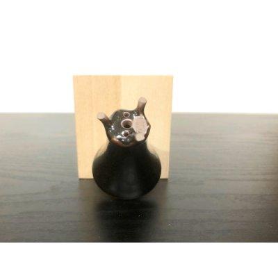 画像3: 沈壽官窯小品盆栽鉢 薩摩焼/黒薩摩 「金とんぼ」 盆器下方